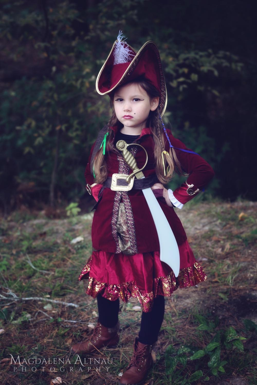 Bluestocking At Home | Halloween 2017 | Pirate Captain (5)